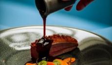 Magret de canard croustillant, Sauce Banyuls & Ganache de Guanaja